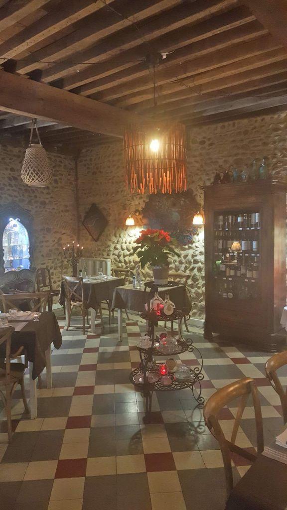 restaurant de la tour restaurants viella. Black Bedroom Furniture Sets. Home Design Ideas