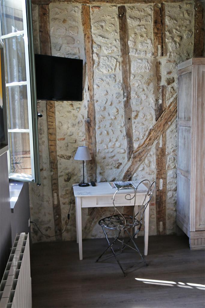 Détails bureau et très beau mur en colombages