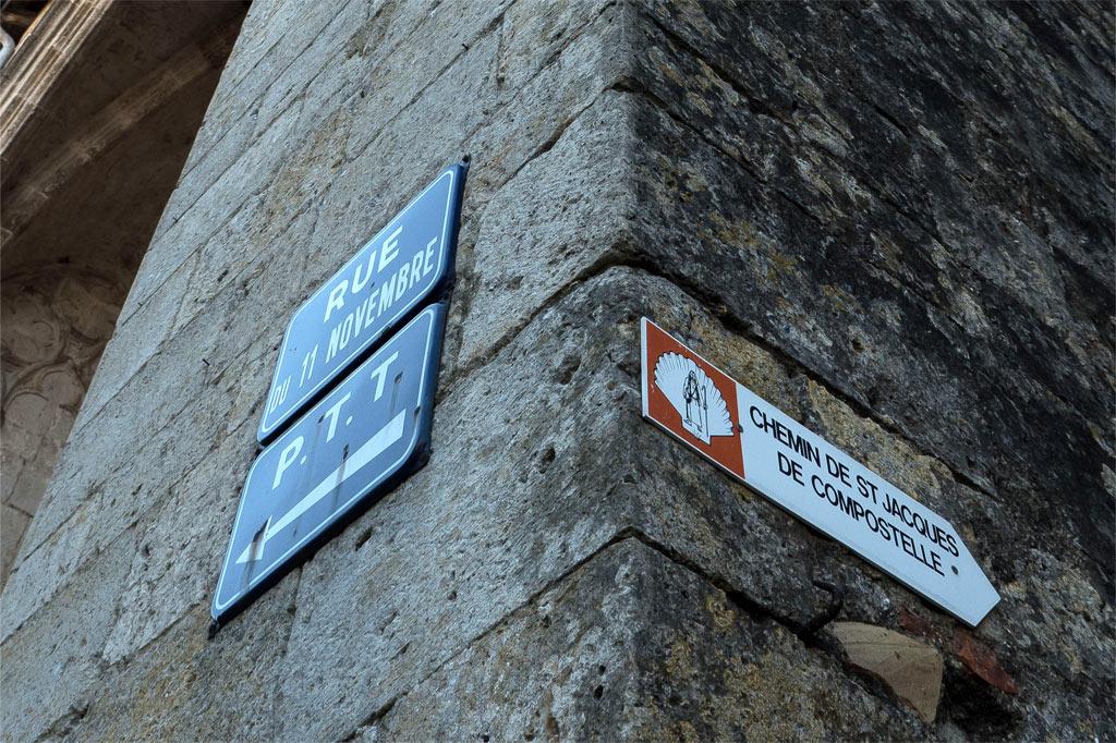 Indications pour suivre la route de Saint-Jacques-de-Compostelle